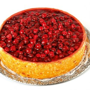 Grosse_Himbeer-Kaese-Sahne-Torte